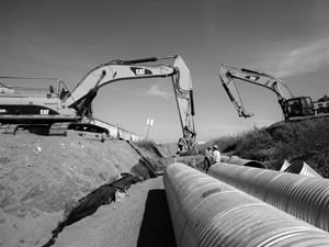 Excavator's moving piping